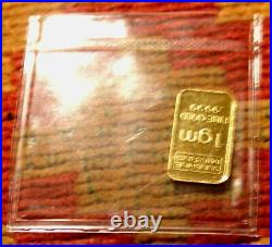 LOT OF FIVE 1g GOLD BAR SET COA AND PROTECTIVE HOLDER. 9999 PURE METAL 24K L@@K