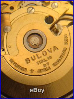 VINTAGE BULOVA SET-O-MATIC AUTOMATIC DUAL-DAY MENS WATCH keeps perfect time